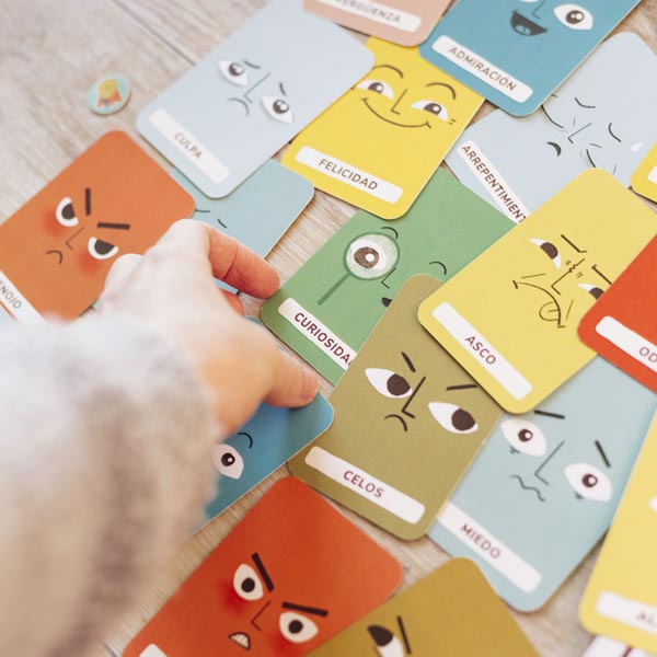 cartas con emociones juego de ninos