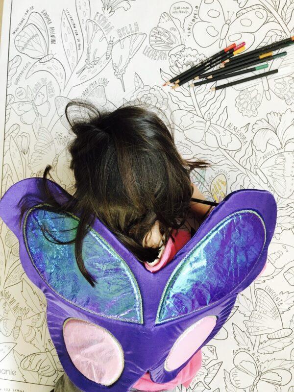 mural y alas de mariposa