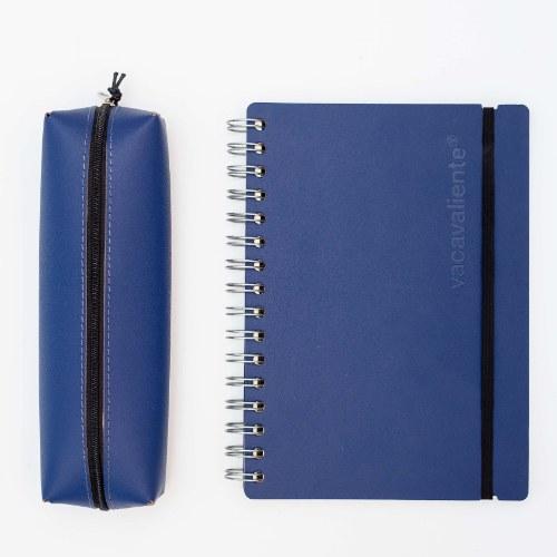 cuaderno y cartuchera azul